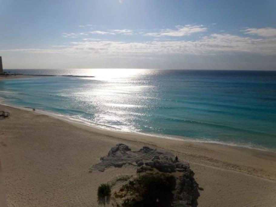 Hermosa vista al mar caribe desde dos de las recamaras.