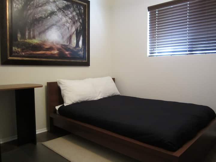 Private Room near ASU & Mill Ave