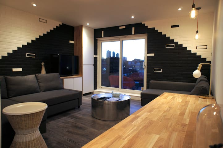 Two Bedroom Apt in Shoreditch with Balcony