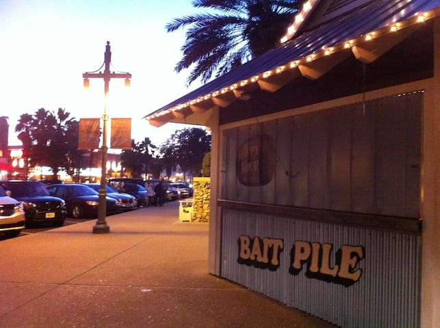 The Bait Pile shack opens for Happy Hour at 5pm nightly!