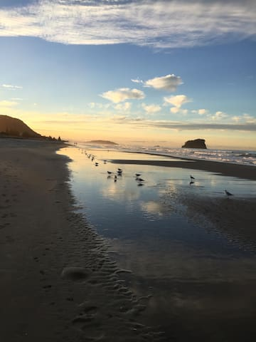 Beautiful evenings on the Fabulous Mt.Maunganui Beach. Right at your doorstep.