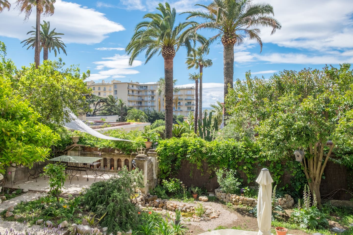 Villa Victoria Garden, Cannes. - Apartments for Rent in Cannes ...