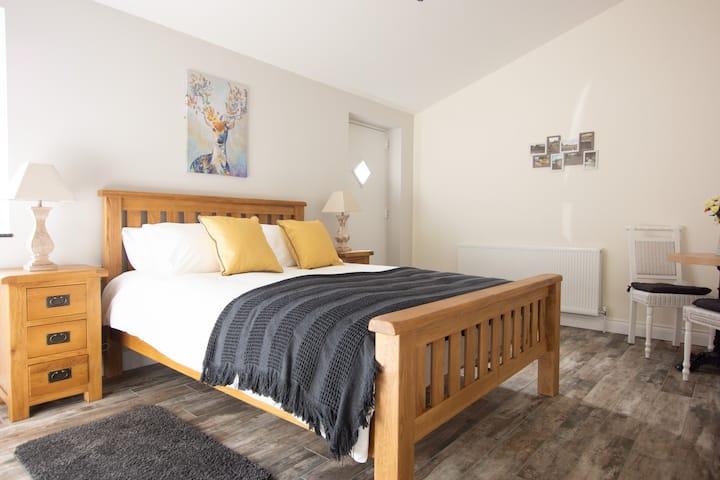 Millbrae Lodge room 3