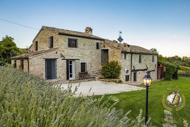 Villa il Sospiro, surrounded by nature of Le Marche