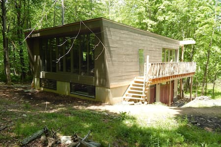 Modern Cabin with Lake/Ridge View - Winter Retreat - Wallkill - Sommerhus/hytte