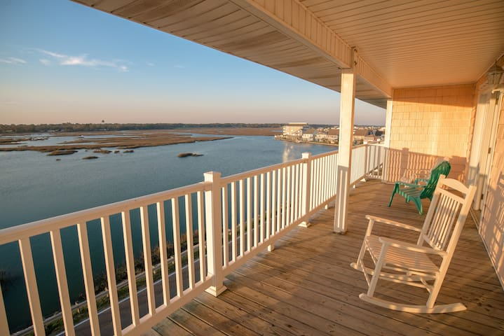 8 Bedroom 3800 Sq Ft Villa - Million Dollar Views. Best Rates - North Myrtle Beach - Maison