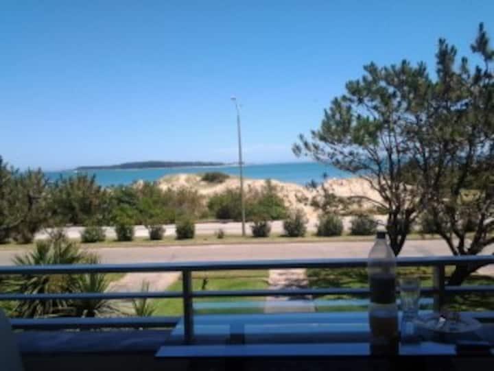 Monoambiente 1.ª línea Playa Mansa Pta del Este