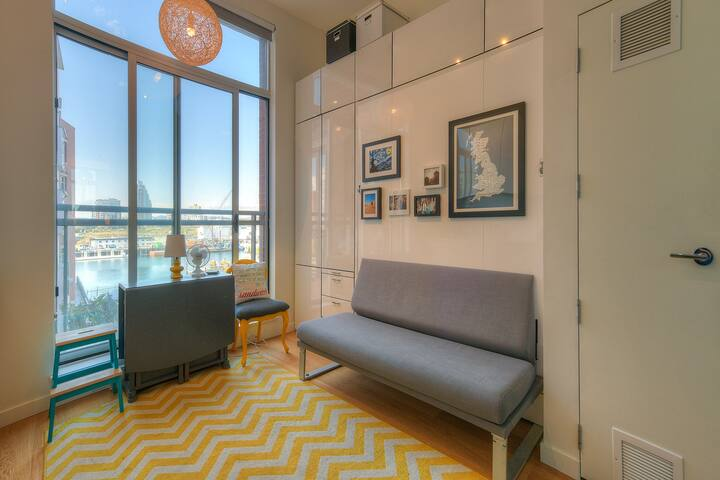 Downtown Harbour View Loft in Heritage Building