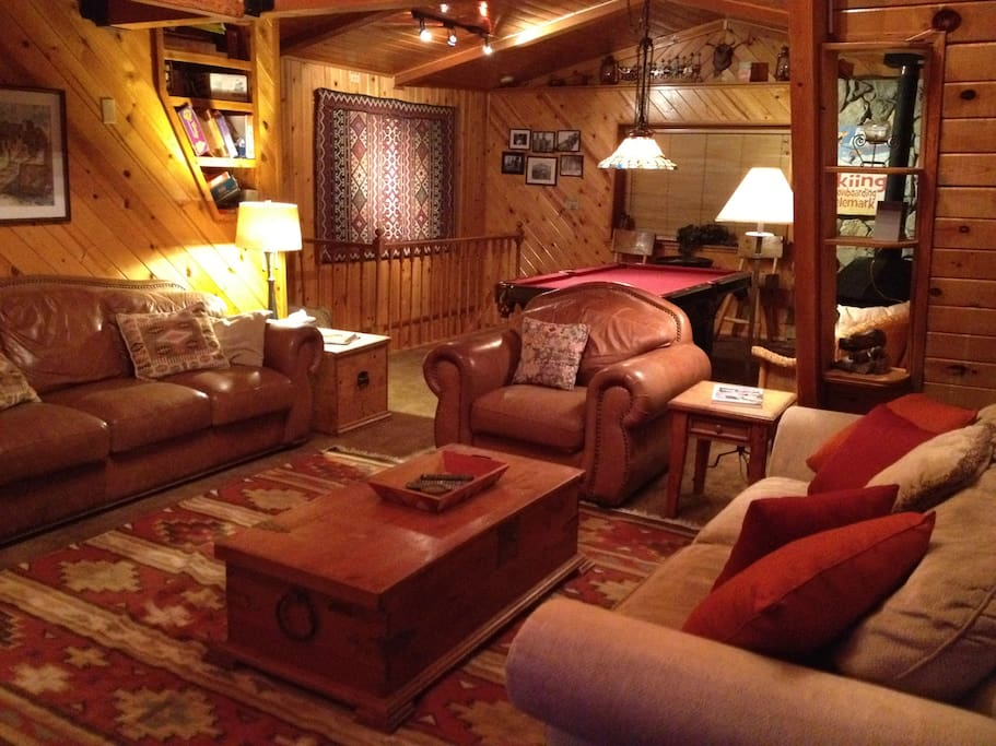 Great Room with night-time lighting has lots of fun board games & books to read. (pic 5-2012)