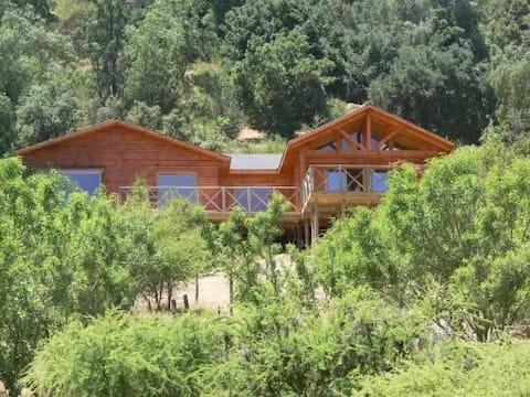 Laguna de Aculeo, casa en entorno campestre