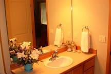 Another well-lit, clean & modern bathroom is on the 2nd floor, & has efficient access from both upstairs bedrooms.