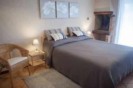appartamento del Nibbio con parco e piscina 2 - Porto Levante - Lakás