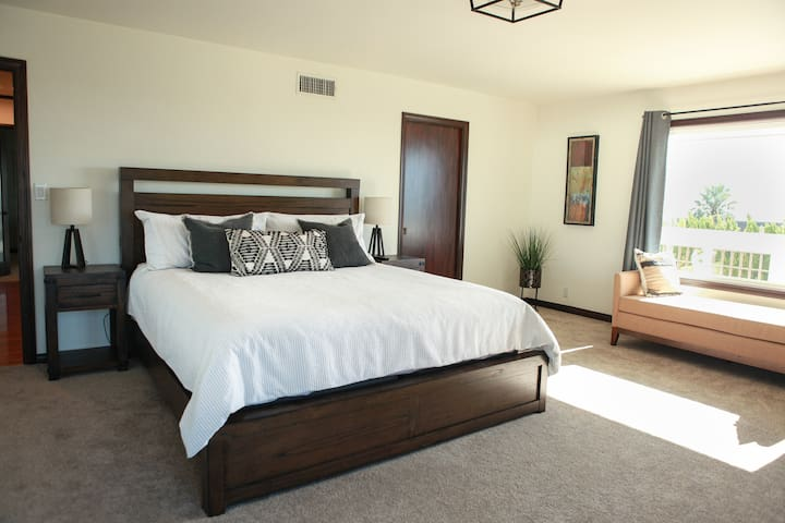 Master suite /King size bed