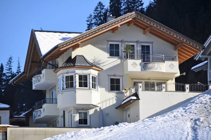 Luxurious Apartment in See near Ski Area