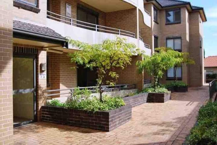2 bed Private outdoor space to the back and front.