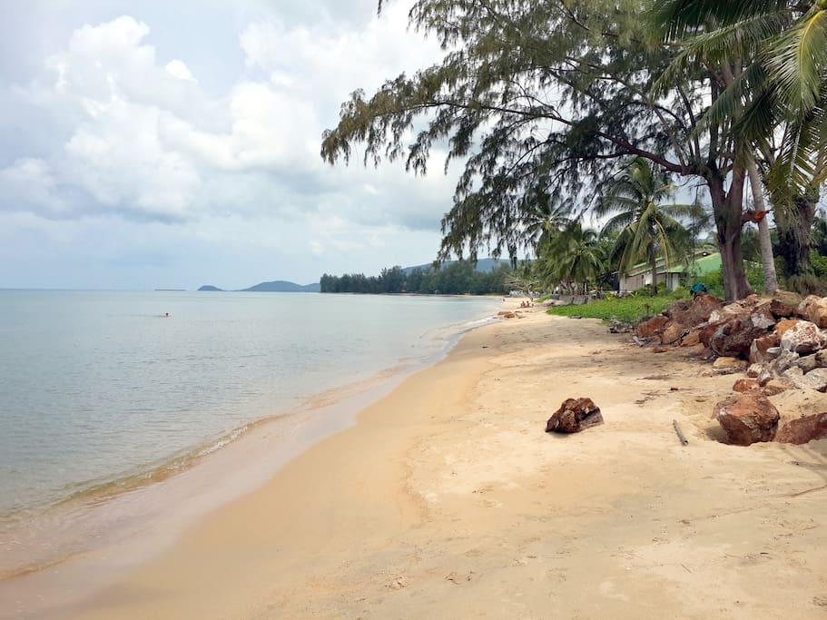 Lipa Noi beach.