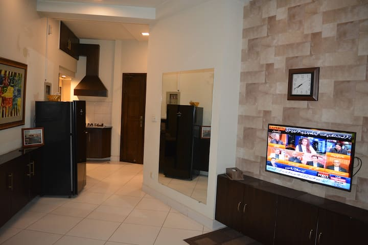 Executive Class 2 Bed Furnished Apartment