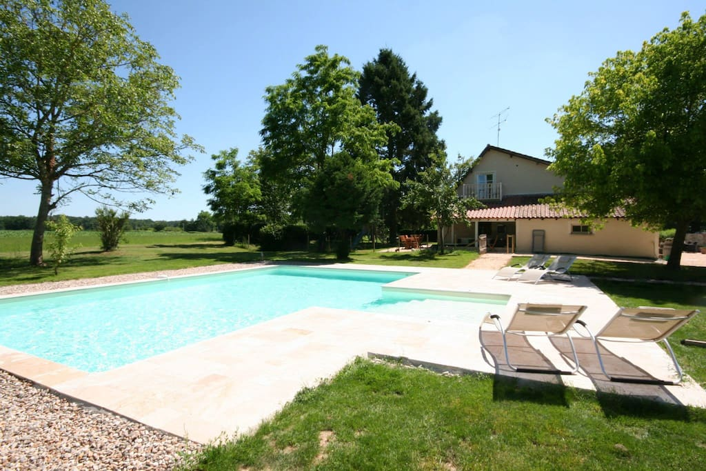 Large private swimming pool with alarm, toddler section with spa jets plus pool toys and sun loungers for 8 people