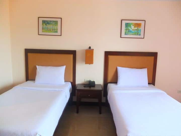 Beautiful Superior Room at Naris Art Hotel