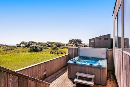 Sonoma Coast living at its finest w/ hot tub, ocean view & shared pool/saunas!