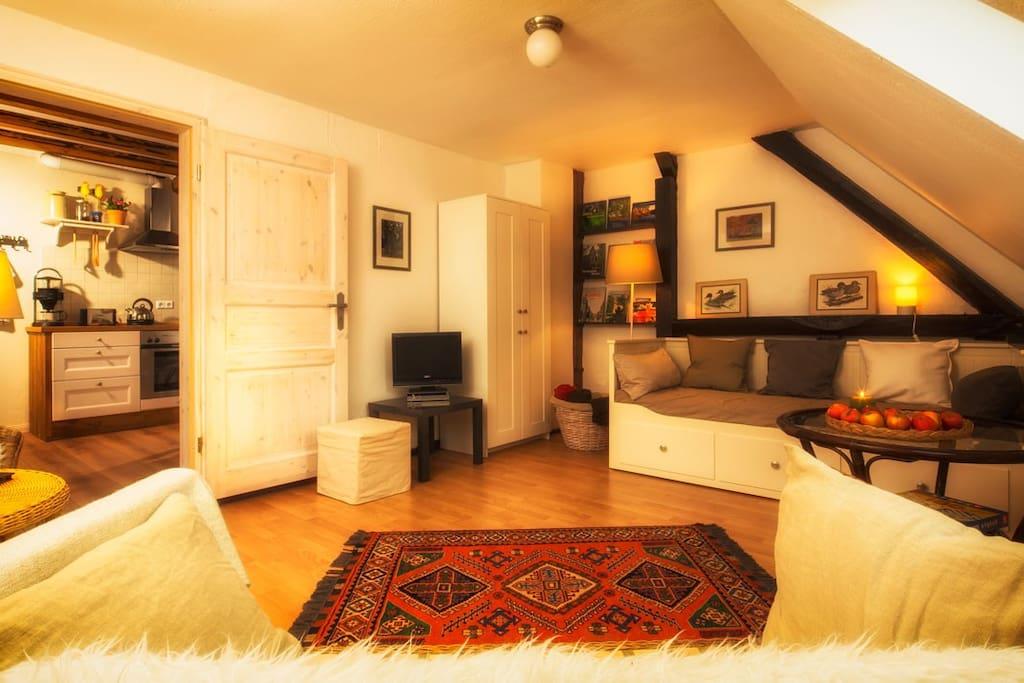 Wohnzimmer mit TV und W-Lan.