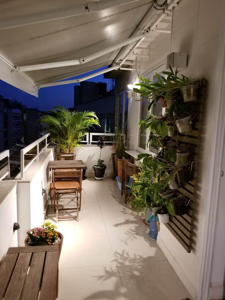 Copacabana Top floor with balcony
