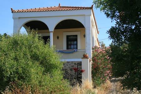 Beach charming villa (10-14pers) a Greek paradise - Chios - Dům
