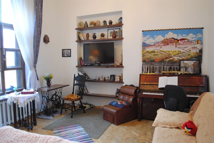 Antique Flat by Hermitage,выход на крышу,М-5 мин!
