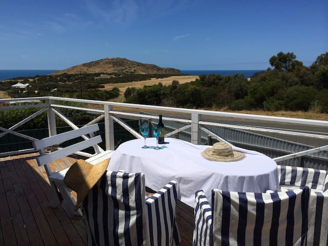 Sunny boathouse with stunning views - Encounter Bay - Hus