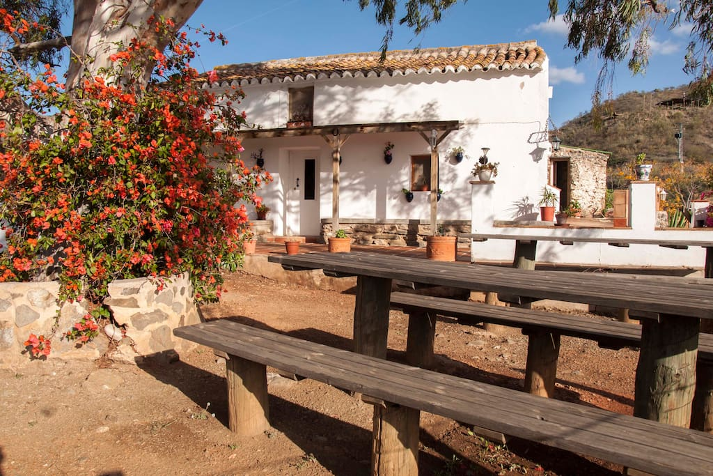 charming private andalusian villa sleeps 10 to 18
