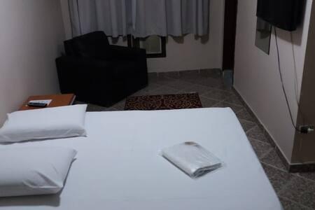 Apartamento 04 em Hotel.