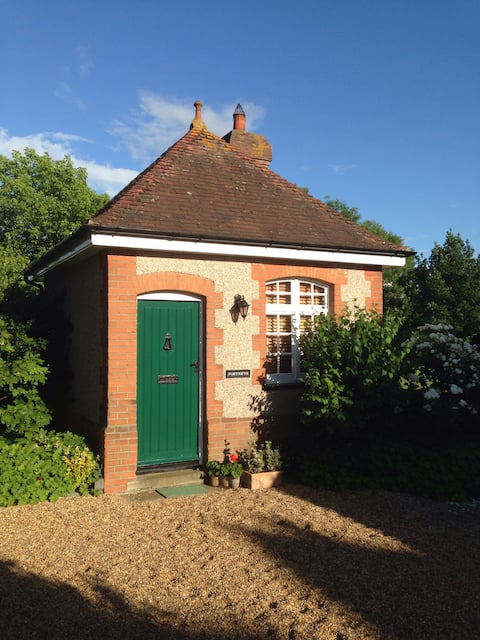 Cosy 'tiny-home' close to Ware