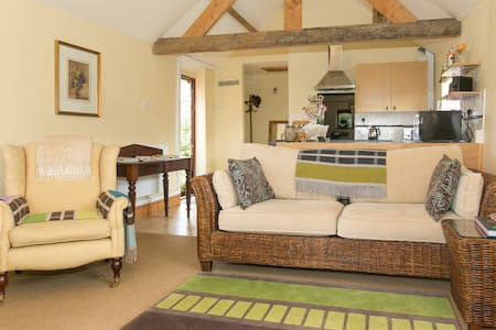 The Dairy (Self-contained B & B) - Bed & Breakfast