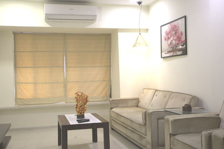 Self Check-in, 2 Bedroom Apartment in City Center