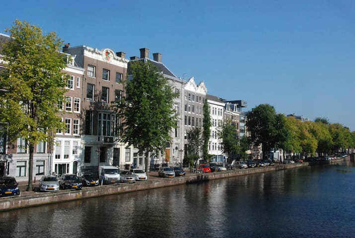 Bohemian chic canalhouse with sunny roofterrace - Amsterdã - Casa