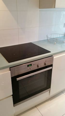 Luxury Induction Neff hob and oven and estractor
