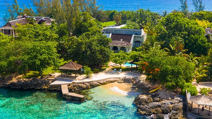Escape to the Ocean Front Cliffside Villas