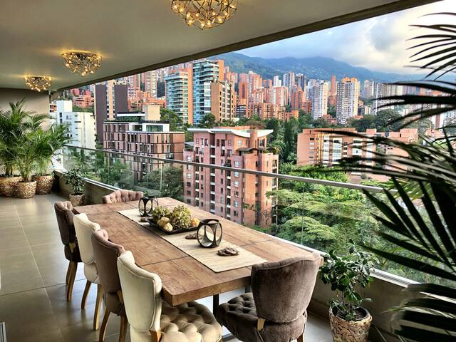 Stunning Monthly Apartment With Views, Pool, Maid