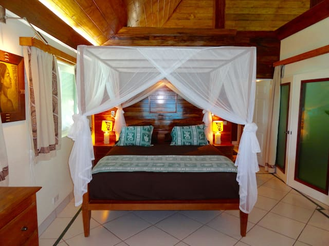 The Ca King size bed looks out at the lagoon.