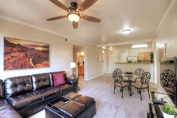 Stunning North Scottsdale Condo 2bd 2ba