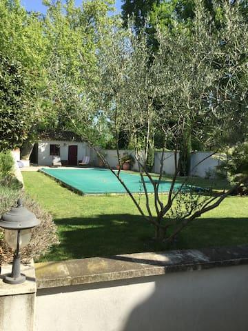 Maison avec piscine à 5 mn d'Avignon - Morières-lès-Avignon - Dom