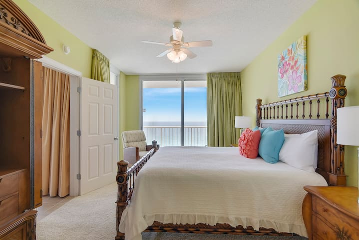 Spacious and SANITIZED corner condo at the Majestic Beach Resort!