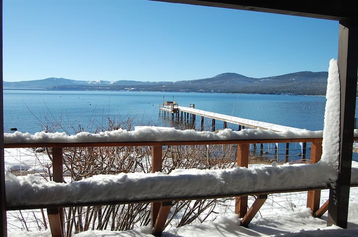 Lakefront Home- N Lk Tahoe-Views! Close to Skiing - Kings Beach - Townhouse