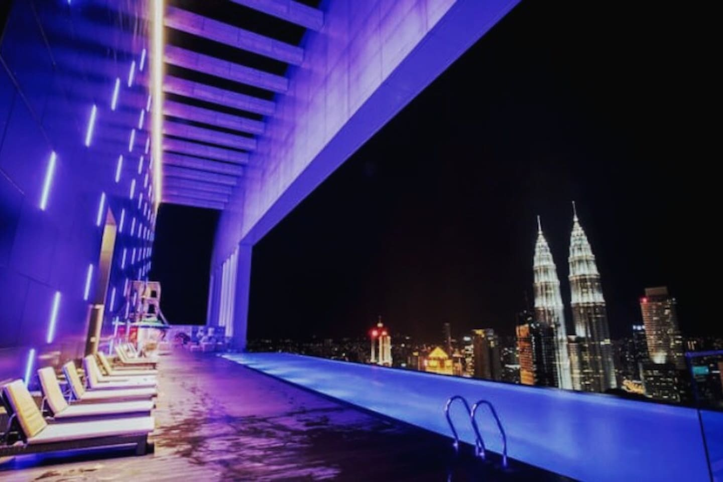 Sky deck infinity pool - Free access for all guests