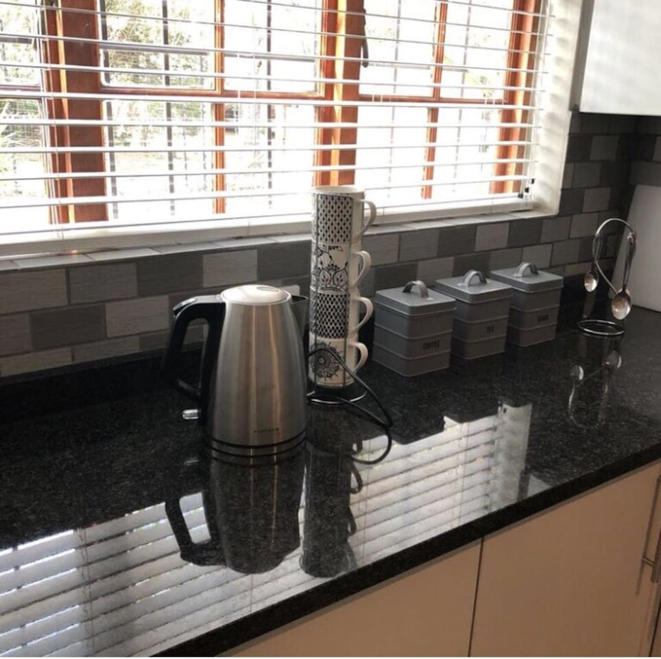 Kitchen and coffee area