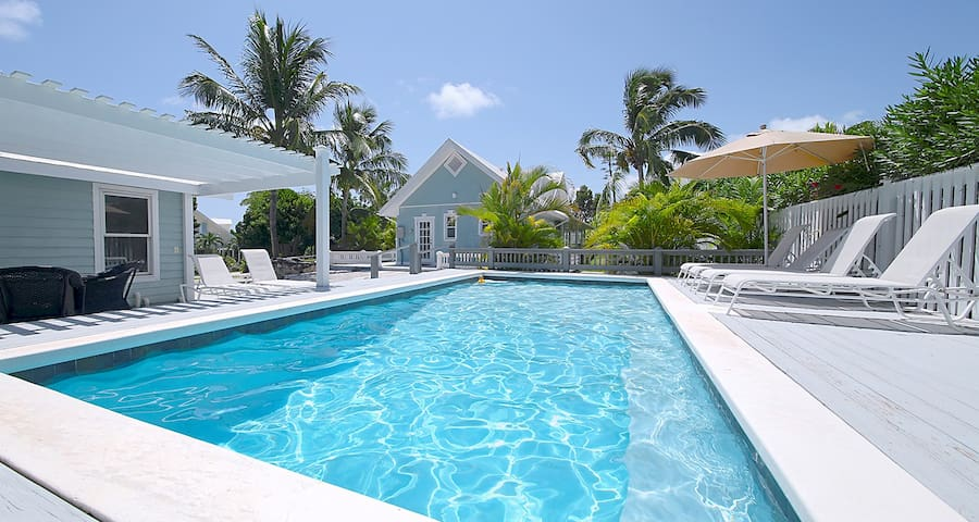 Luxury 3BR 3.5BA w/ Private Pool & Beach Golf Cart