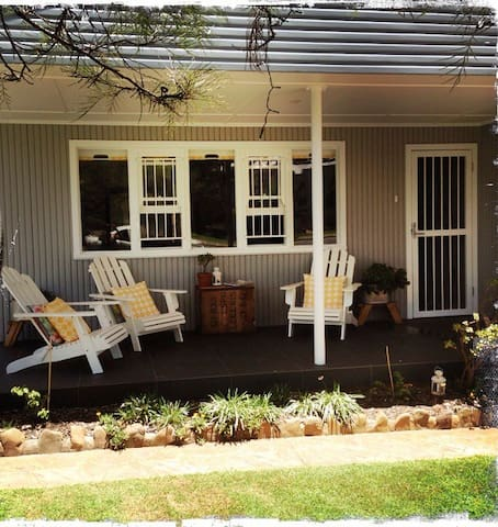 No1 location- steps to beaches, cafes and more - Currumbin - Dům