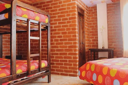 Great Hostels - Shared Dorm In Suite - Five Beds