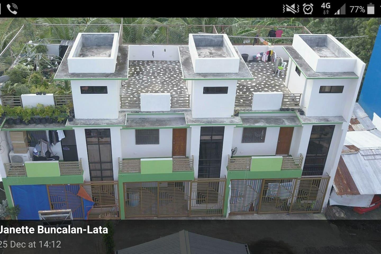 2 storey apartment/2Bdr/2Bath & Rooftop w/ garage. - Apartments for ...