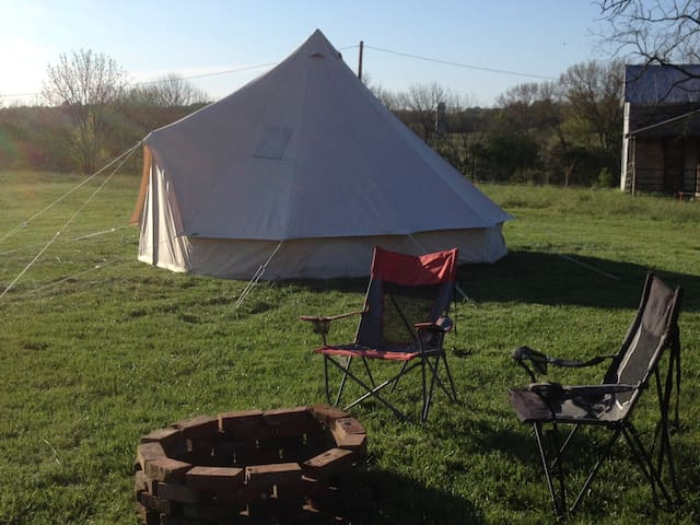 Glamping! Enjoy 100+ acres to yourself, Fresh Air!
